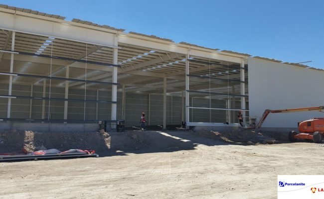 Construcción de almacen para la industria en Qro